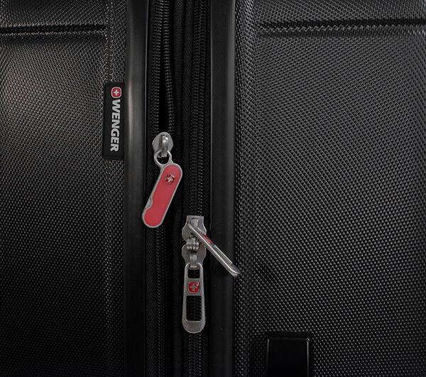 Черный мини чемодан USTER WENGER 37л. WGR6297202154