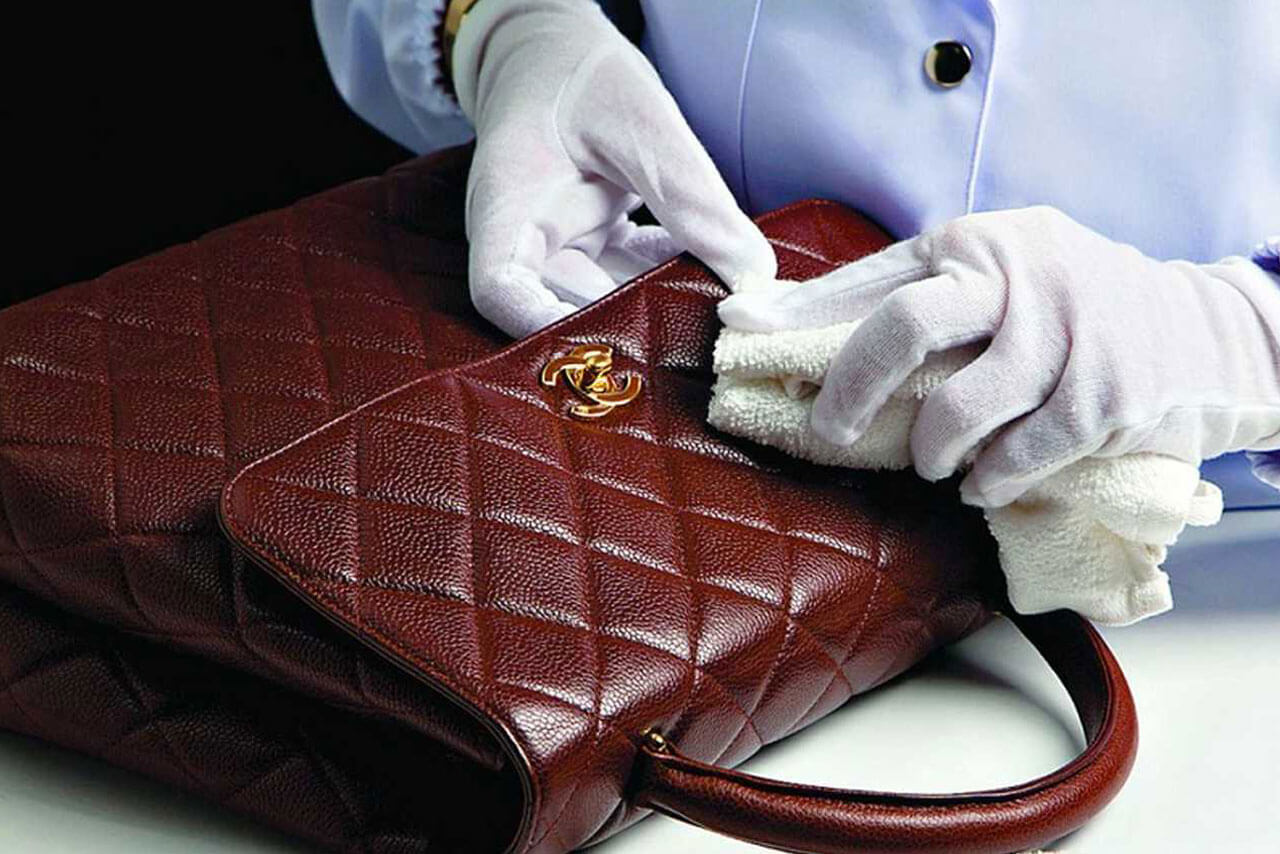 Как избавиться от неприятного запаха в рюкзаке или сумке?